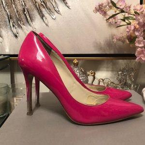 Beautiful bright pink BCBGen pumps